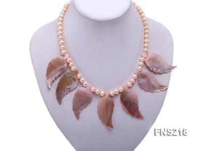 natural 6-7mm pink round freshwater pearl necklace with pink shells FNS218 Image 4