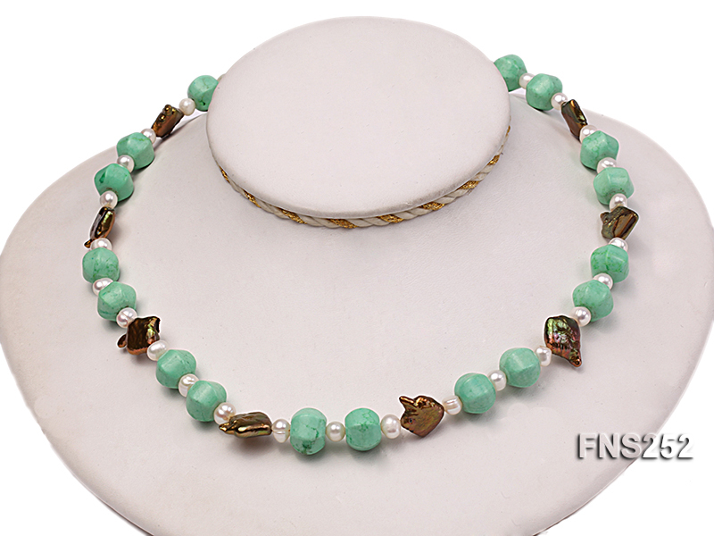 Natural white freshwater pearl with green turquoise and irregular pealrs necklace big Image 5