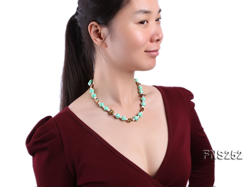 Natural white freshwater pearl with green turquoise and irregular pealrs necklace big Image 6