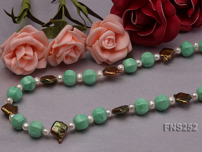 Natural white freshwater pearl with green turquoise and irregular pealrs necklace big Image 7
