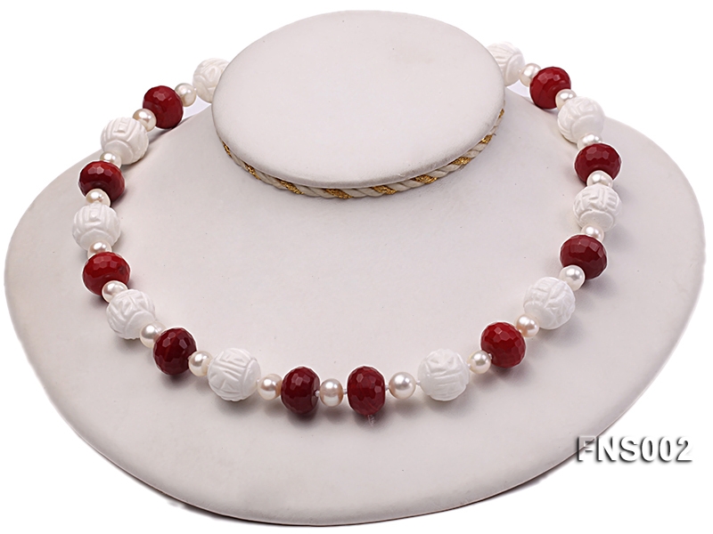7x9mm white round freshwater pearl with red gemstone and natural tridaonidae necklace big Image 3