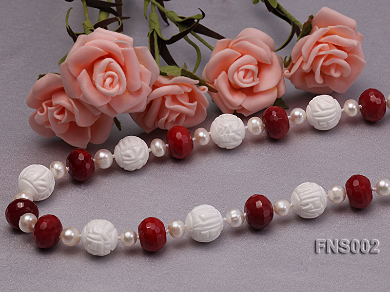 7x9mm white round freshwater pearl with red gemstone and natural tridaonidae necklace big Image 4