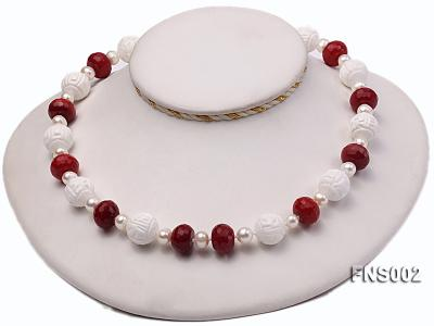 7x9mm white round freshwater pearl with red gemstone and natural tridaonidae necklace FNS002 Image 3