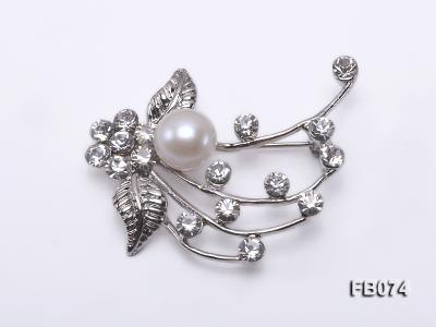 Gold Plated Brooch with Freshwater Pearl and Rhinestone Beads FB074 Image 1