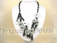 black roung anfibio and faceted agate and white flower-shaped seashell necklace with black stone cla FNF658