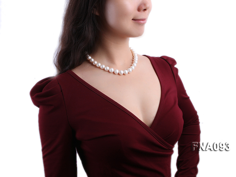 Classic 12-13mm AAA White Round Cultured Freshwater Pearl Necklace big Image 5