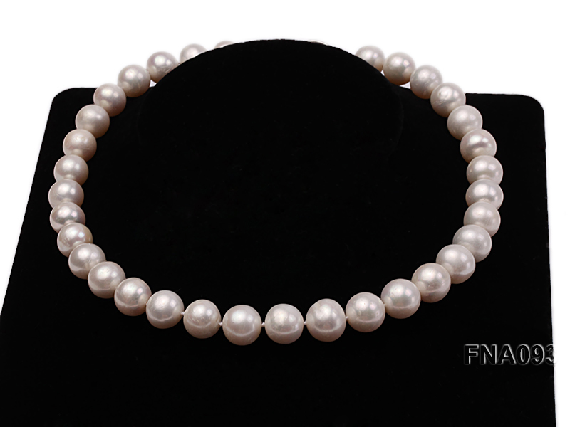 Classic 12-13mm AAA White Round Cultured Freshwater Pearl Necklace big Image 6