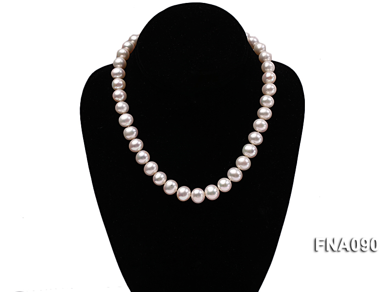 10.5-12.5mm natural white freshwater round pearl necklace big Image 6