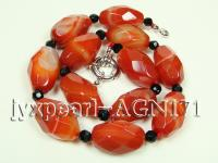 17.5mm red shuttle-type faceted and 6mm black round agate necklace AGN171