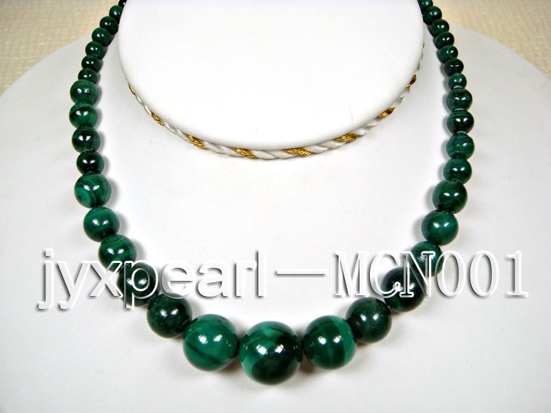 6-16mm green peacock round malachite necklace big Image 1