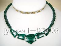 6.5mm green peacock round and irregular malachite necklace MCN005