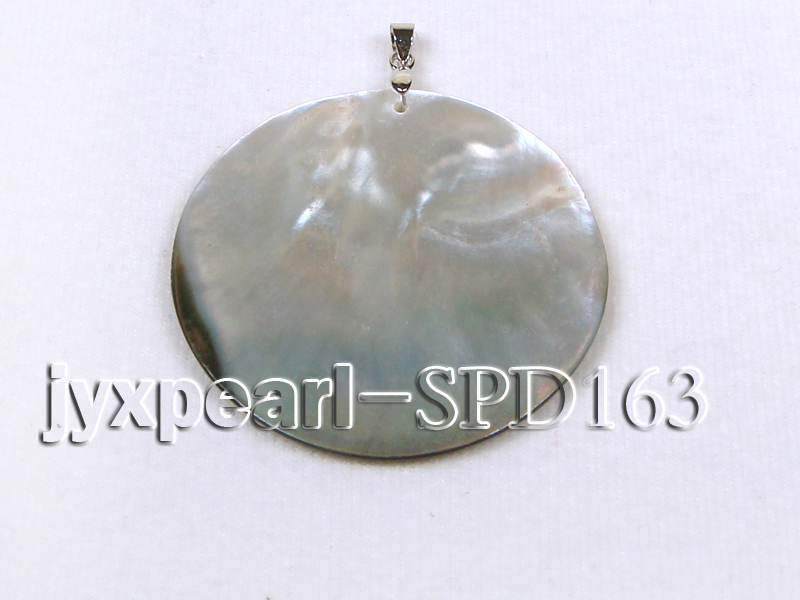 50mm Round Shell Pendant with beautiful Gilded Metal Pattern big Image 2