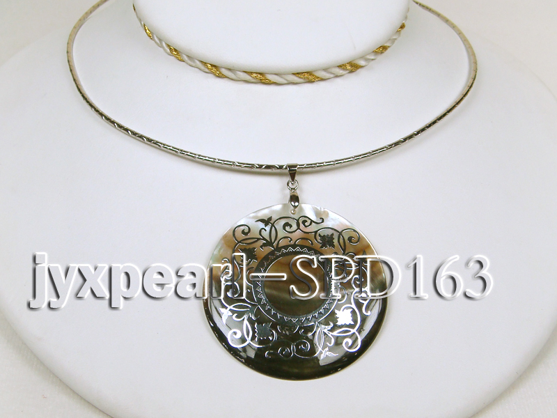 50mm Round Shell Pendant with beautiful Gilded Metal Pattern big Image 3