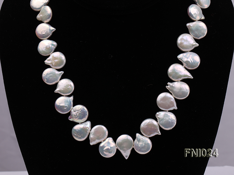 Classic 12x16-13x16.5mm White Button-shaped Freshwater Pearl Necklace big Image 2