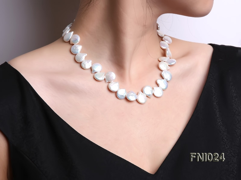 Classic 12x16-13x16.5mm White Button-shaped Freshwater Pearl Necklace big Image 1
