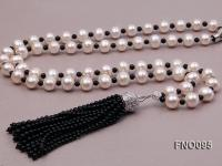 10-11mm Round White Freshwater Pearl Necklace FNO095