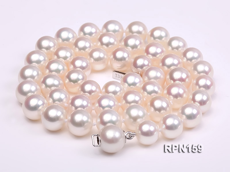 Classic 9mm AAAAA White Round Cultured Freshwater Pearl Necklace big Image 3
