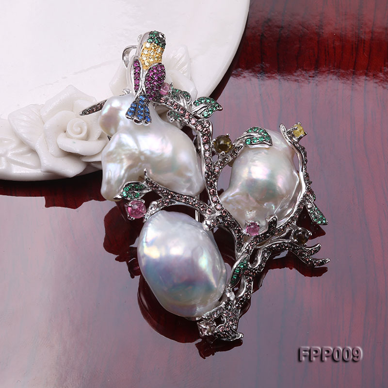 Fine Magpie-style White Baroque Pearl Pendant/Brooch big Image 5