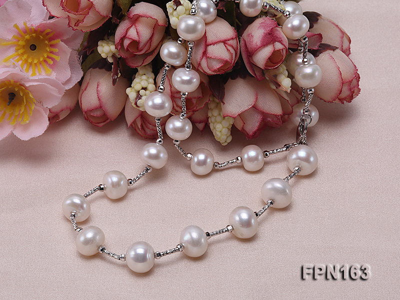 Romantic 9-10mm Flatly Round Freshwater Pearl Necklace in Sterling Silver big Image 5