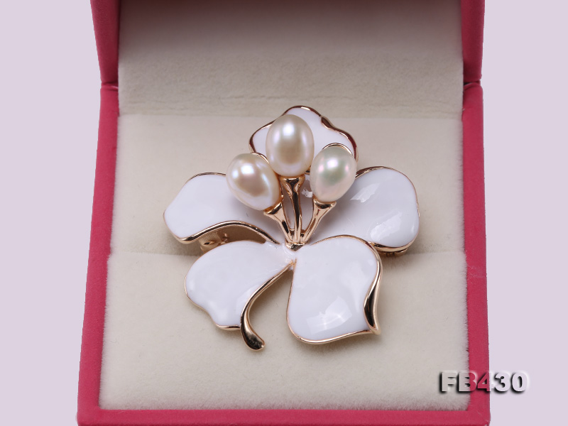 7-9mm White Natural Freshwater Gold Plated Flower-shaped Brooches big Image 4