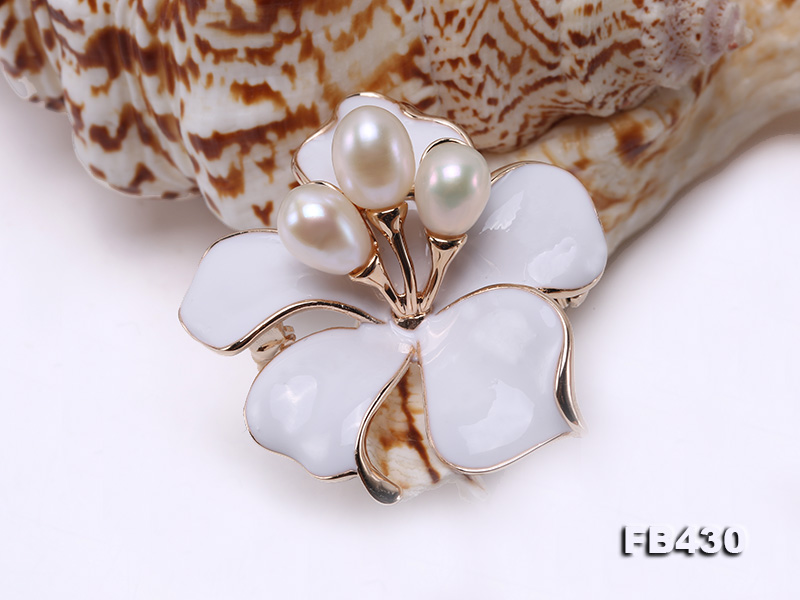 7-9mm White Natural Freshwater Gold Plated Flower-shaped Brooches big Image 9