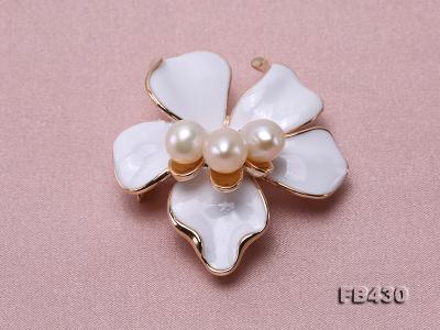7-9mm White Natural Freshwater Gold Plated Flower-shaped Brooches FB430 Image 5