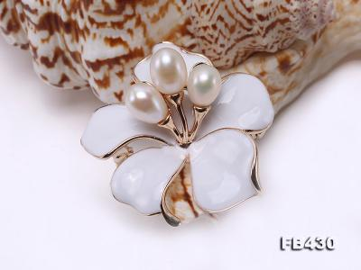 7-9mm White Natural Freshwater Gold Plated Flower-shaped Brooches FB430 Image 9