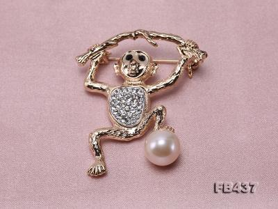 10.5mm White Freshwater Pearl Monkey Brooch with Zircons FB437 Image 6