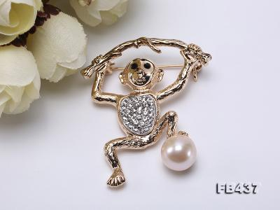 10.5mm White Freshwater Pearl Monkey Brooch with Zircons FB437 Image 8