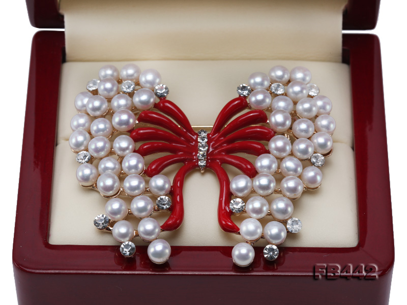 Beautiful Butterfly Pearl Brooch with Zircons big Image 3