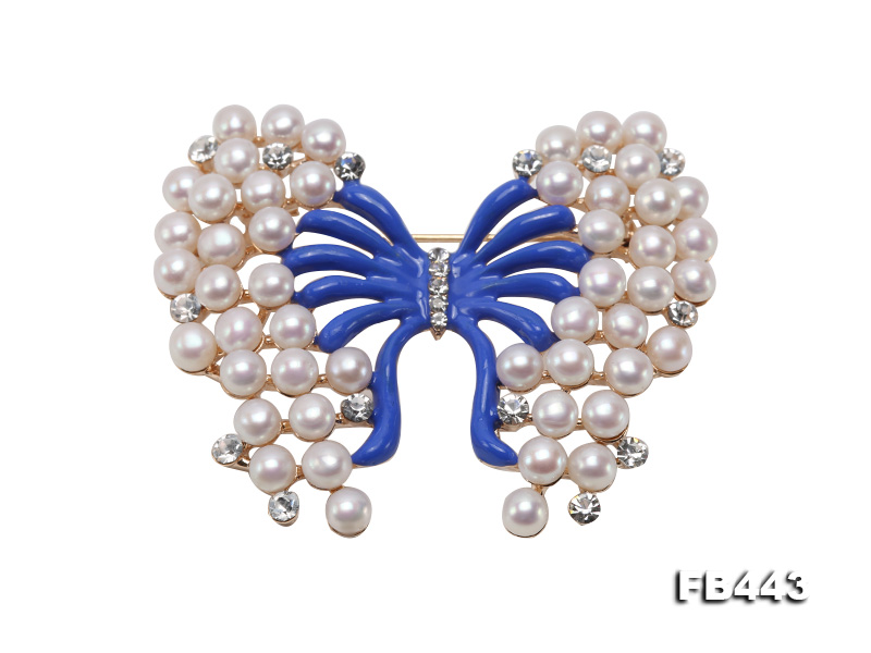 Beautiful Butterfly Pearl Brooch with Zircons big Image 1