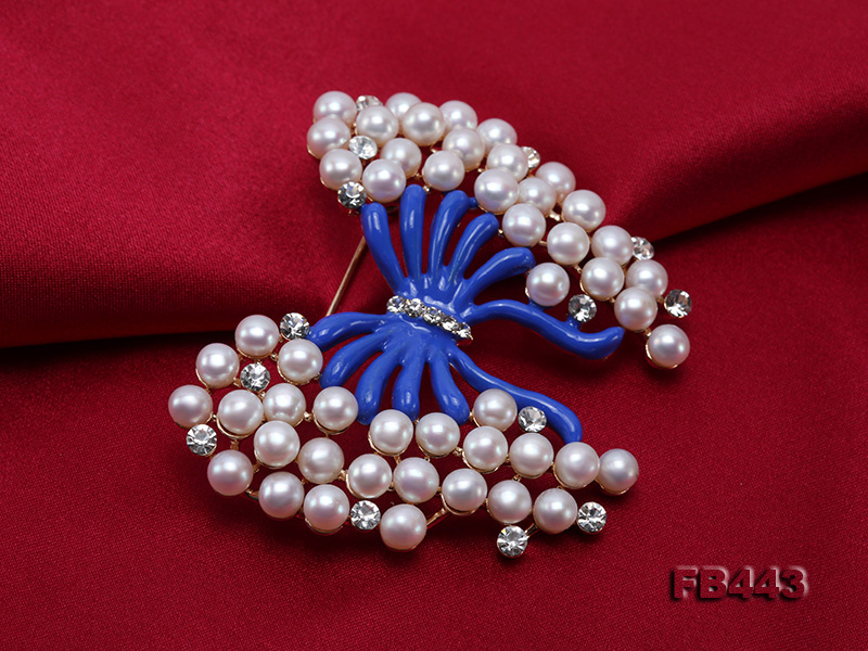 Beautiful Butterfly Pearl Brooch with Zircons big Image 6