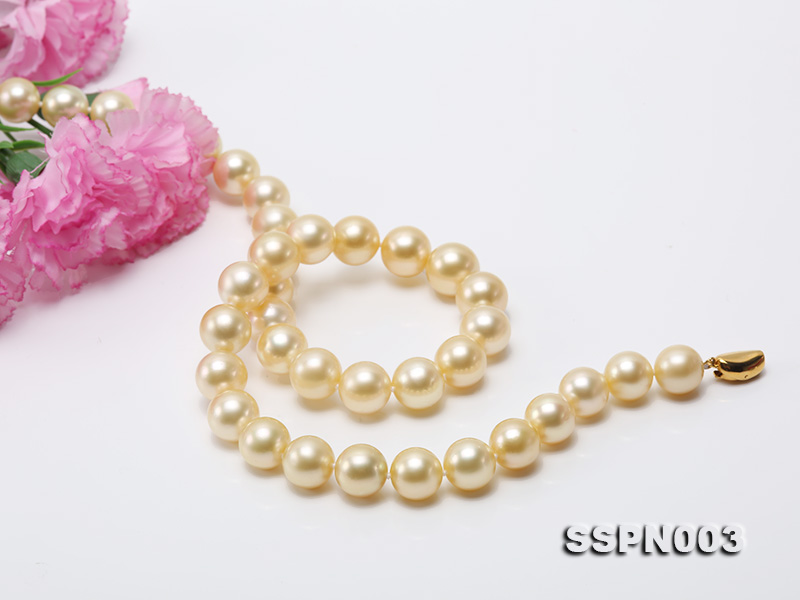 Luxurious 10-13mm Light Golden South Sea Pearl Necklace big Image 4