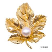 Exquisite Leaf-shape 9.5mm Freshwater Pearl Brooch FB818