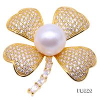 Beautiful 13mm White Pearl Clover Design Brooch  FB820