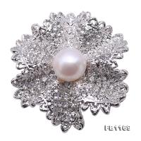 High Quality 10.5mm White Pearl Flower Brooch FB1169