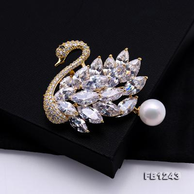 Exquisite Swan-shape 11mm Freshwater Pearl Brooch FB1243 Image 3