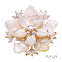 Delicate Shell Flower &4.5-5mm Freshwater Pearl Brooch FB1255