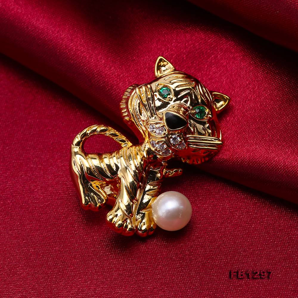 Wonderful Cat-shape 6.5mm White Pearl Brooch big Image 5