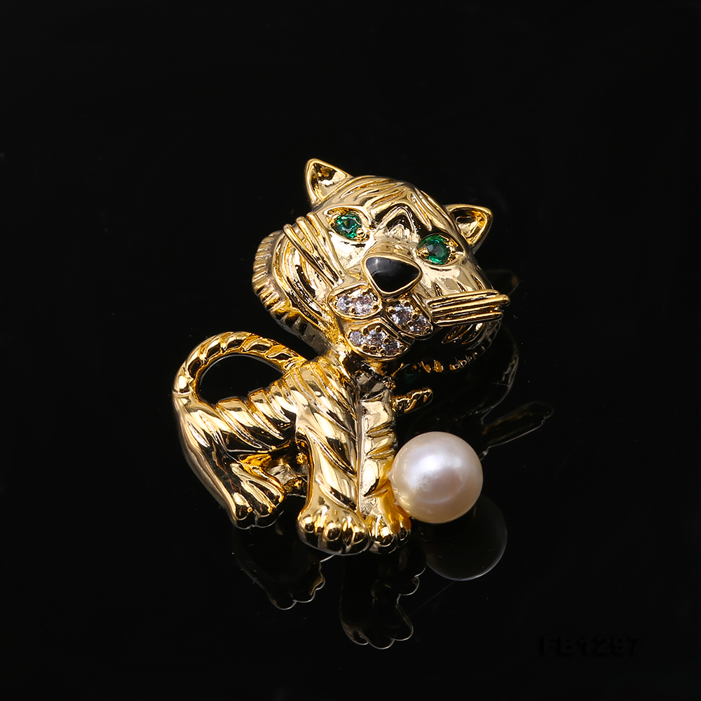 Wonderful Cat-shape 6.5mm White Pearl Brooch big Image 6