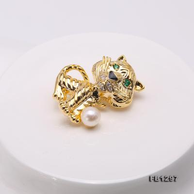 Wonderful Cat-shape 6.5mm White Pearl Brooch FB1297 Image 3