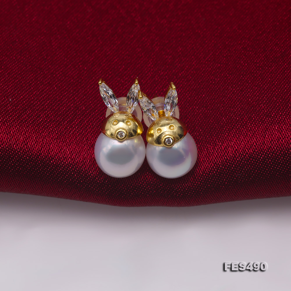 Exquisite 8mm Near Round White Freshwater Pearl Stud Earrings big Image 4