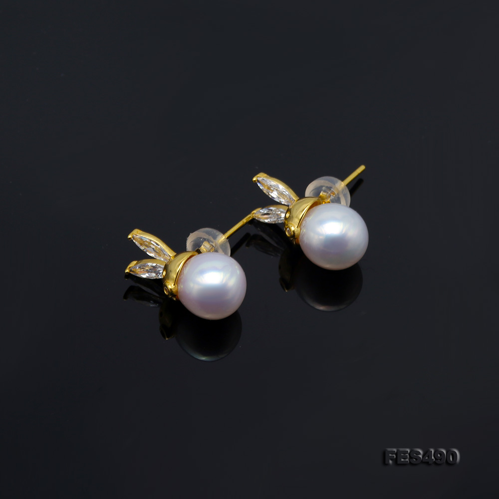 Exquisite 8mm Near Round White Freshwater Pearl Stud Earrings big Image 6